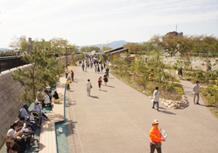 中心市街地公共空間賑わい創出事業